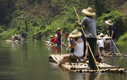 Awe-inspiringly complete experience on Tham Lod Trek