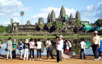 Thai-Bodia Convention Tour Exploring